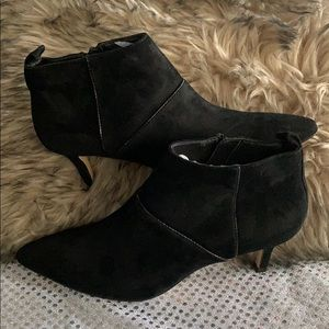 DONAL PLINER BLACK LEATHER BOOTIES SIZE 6M